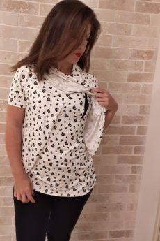 חולצת הנקה גילת בצבע לבן דוגמת לבבות