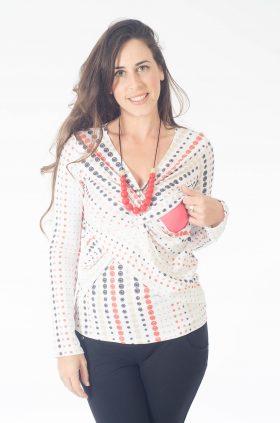 חולצת הנקה - דנה בצבע לבן עם נקודות
