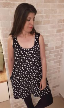 Breast Feeding Tunic - Lena - Black with Hearts