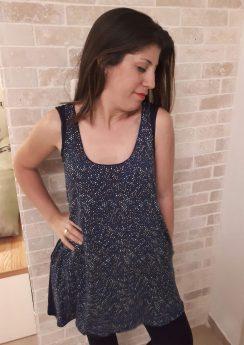 טוניקה להנקה לנה בצבע כחול דוגמת קוביות
