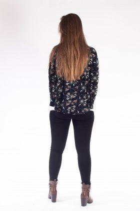 סט הנקה לירן – גופיה וגולף שחור פרחים