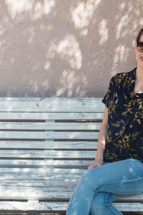 חולצת הנקה – גילת כחול מודפס