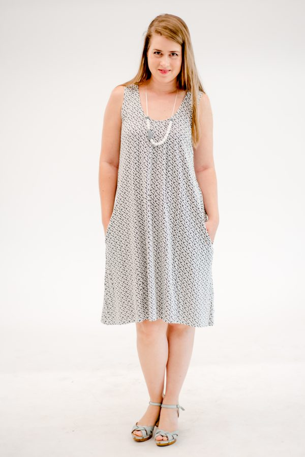 Breast Feeding Dress – Liby – White & Black
