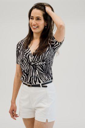 חולצת הנקה – דנה שחור לבן
